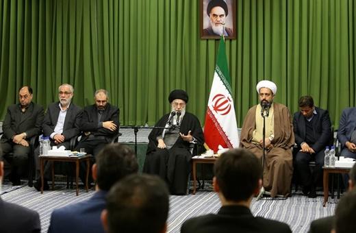 رهبر انقلاب: مراکزی در غرب برای تغییر سبک زندگی در ایران وجود دارد