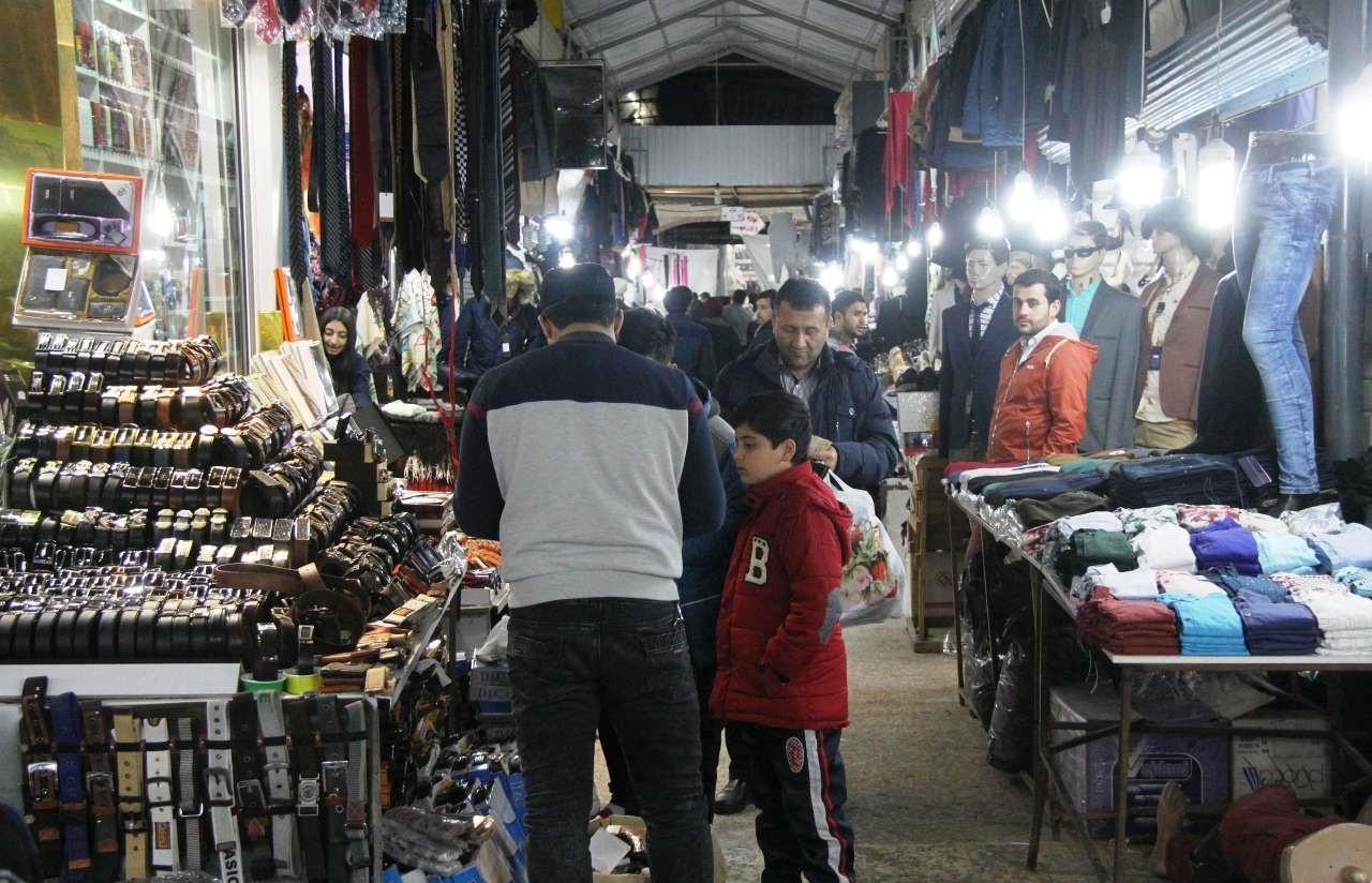 تصاویر | در حوالی نوروز | رونق بازار شب عید در آستارا