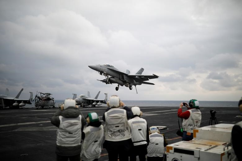 تصاویر | ورود ناو هواپیمابر کارل وینسون به آبهای کرهجنوبی