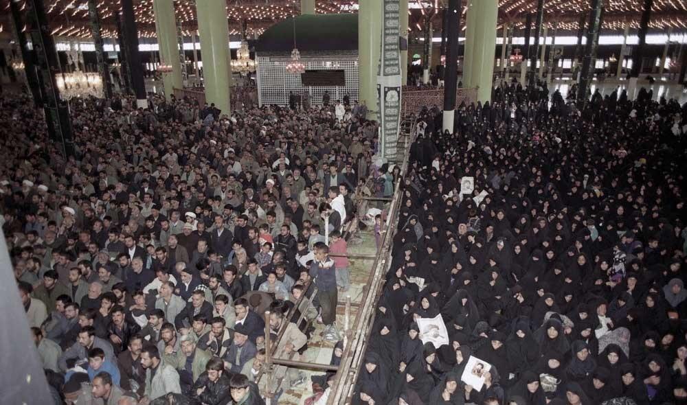 تصاویر   ۲۲سال پیش در چنین روزی؛ مراسم تشییع حاج سید احمد خمینی