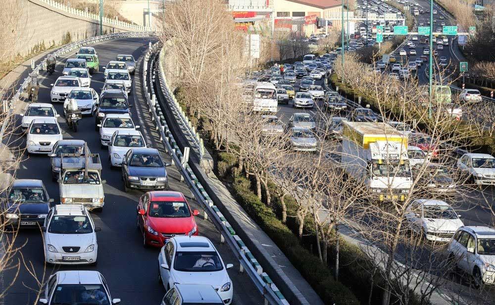 تصاویر | پارکینگی وسیع و پر از ماشین به اسم تهران