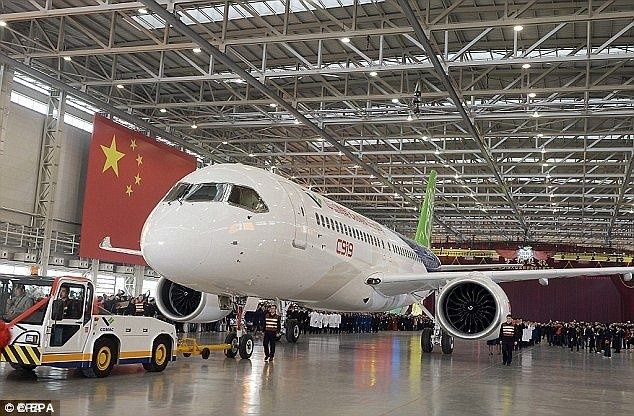 آزمایش اولین هواپیمای مسافربری ساخت چین تا یک ماه آینده