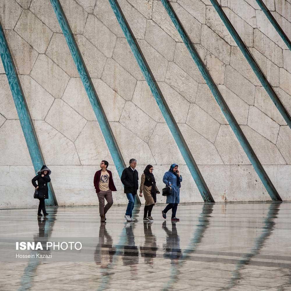 تصاویر | خلوتترین لحظات شلوغترین خیابان تهران