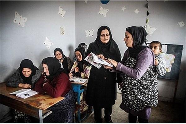 نرخ بیسوادی در دختران بیشتر از پسران در ایران/ زنان دو سوم بیسوادان جهان