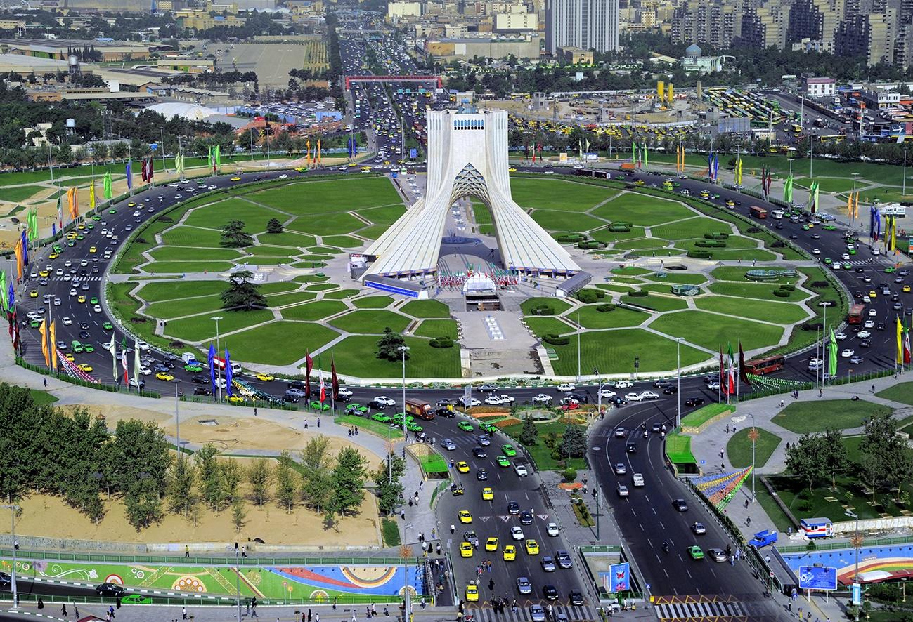 تصویر زیبا از برج آزادی تهران