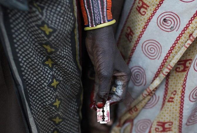 تیغی بهنام سنت از زنان بر بدن زنان/ قانونی برای توقف ناقصسازی جنسی تصویب شود/ آماری از ختنه زنان