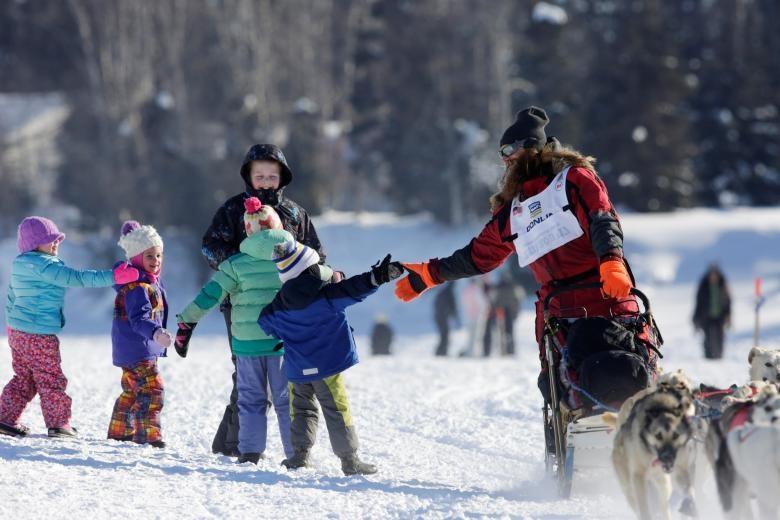 تصاویر | رقابت دیدنی سگهای سورتمه در آلاسکا