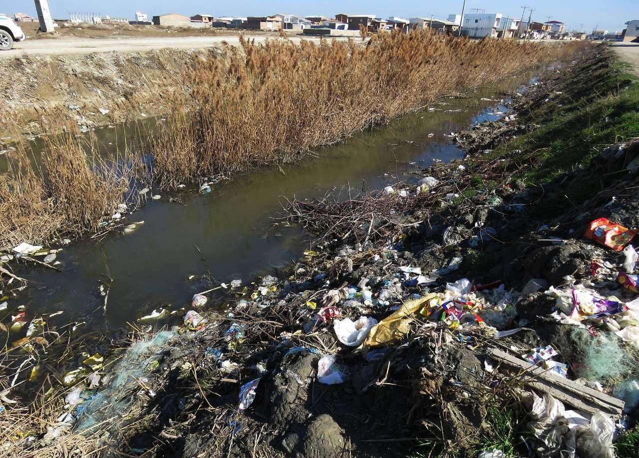 تصاویر | باز هم فاجعه محیط زیست | فاضلاب خانگی به دربای خزر میریزد