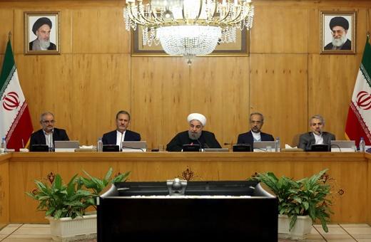 روحانی: تمرکز بر اشتغال و تولید وظیفه شرعی و ملی ماست