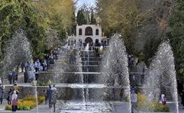 تصاویر | مسافران نوروزی در باغ شاهزاده ماهان
