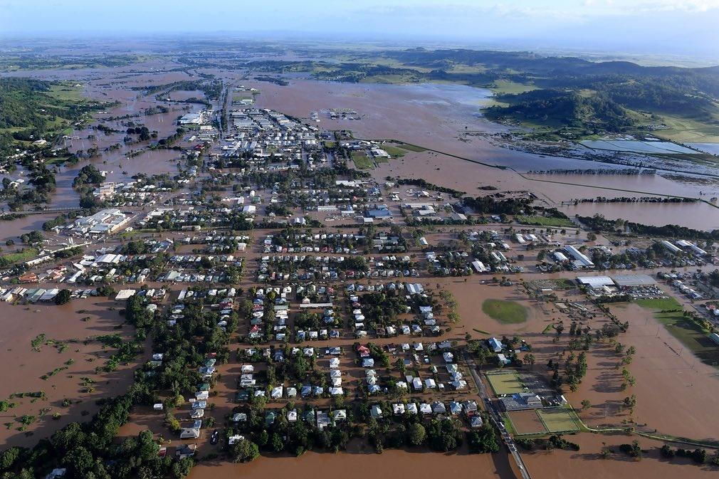 تصاویر | فرار ۲۰ هزار خانواده از سیل سهمگین و آبگرفتگی خانهها در استرالیا