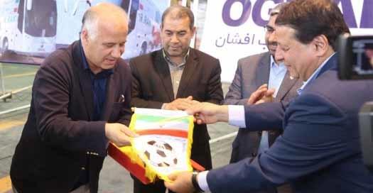 به همراه رونمایی مجدد از اتوبوس تیم ملی فوتبال ایران؛ مراسم تقدیر از پرسنل شرکت عقاب افشان سمنان