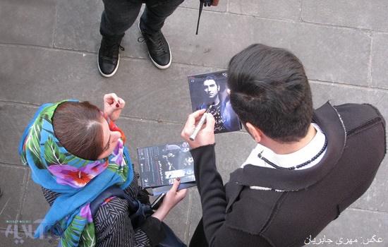 گزارش تصویری استقبال تبریزی ها از حافظ ناظری/ تبریز گردی و امضاء به هواداران