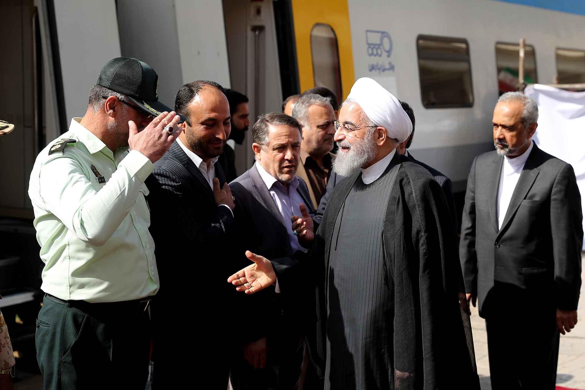 تصاویر | ورود رئیسجمهوری به قزوین