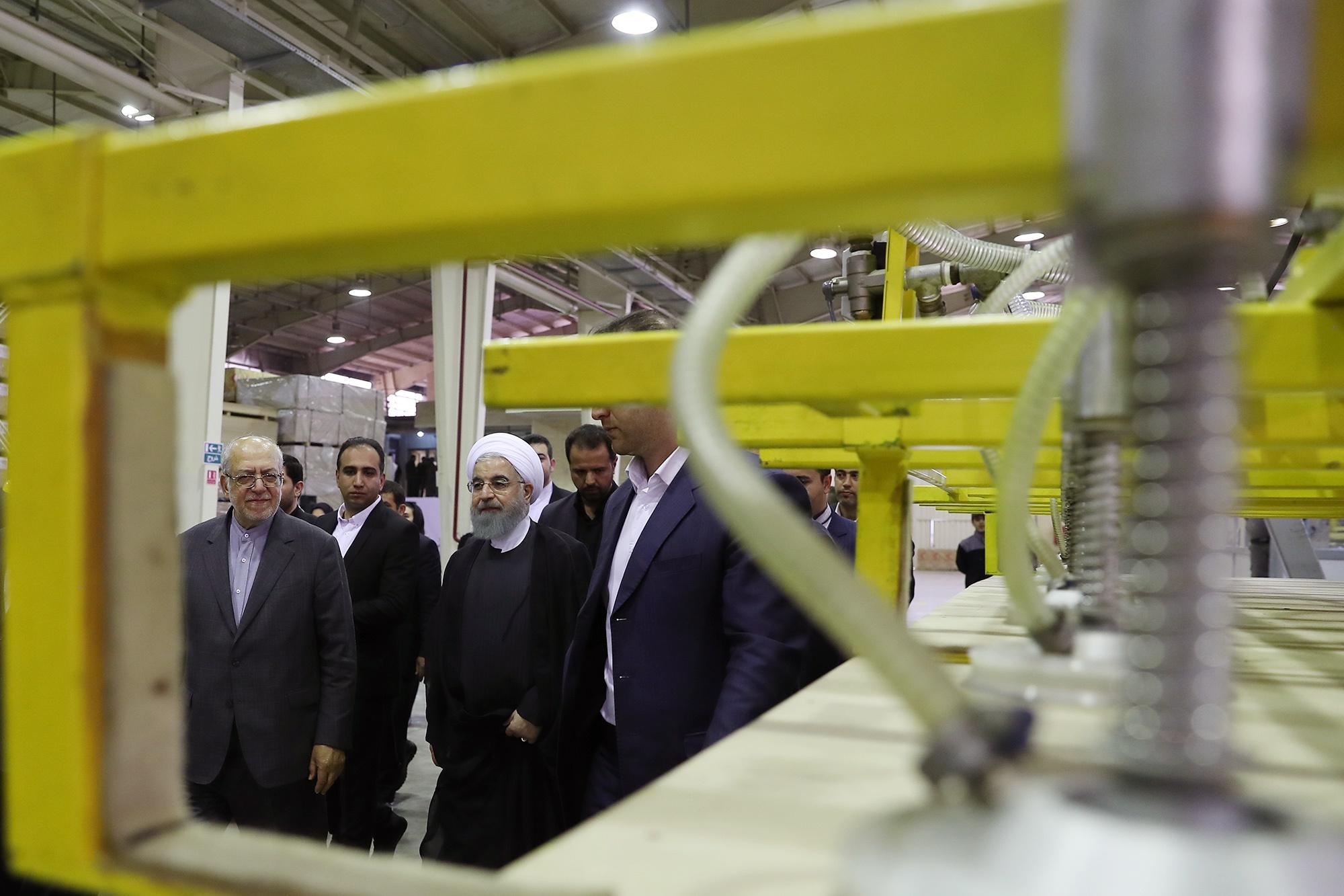 افتتاح 17 طرح و پروژه زیربنایی در قزوین با حضور رئیس جمهور