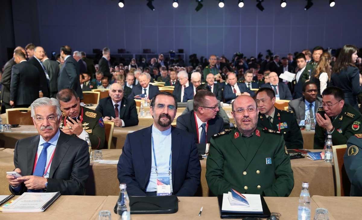 عکس | وزیر دفاع در جمع همتایانش از ۸۰ کشور دنیا