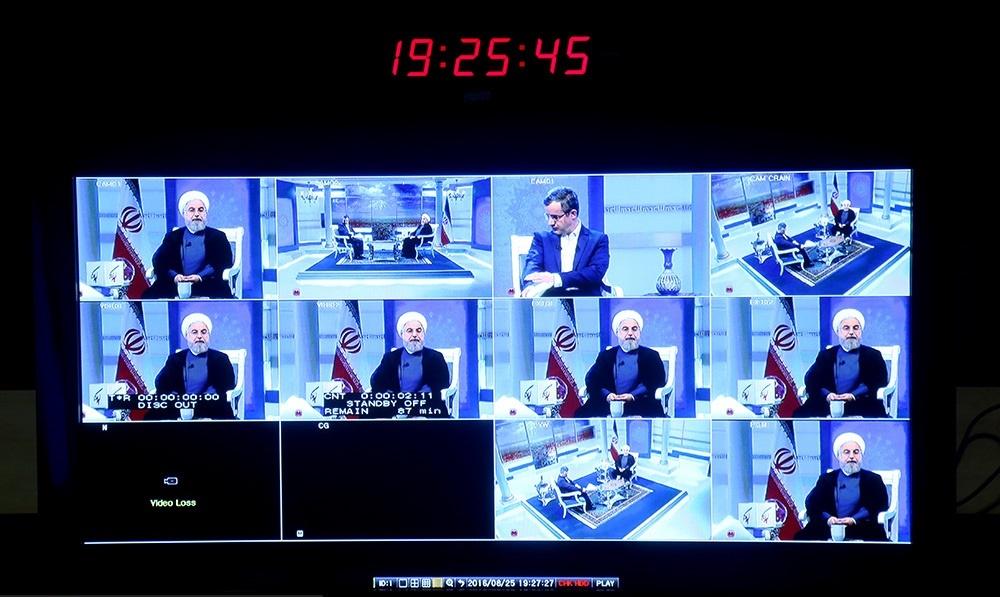 عکس | رئیسجمهور در برنامه گفتگو با ایرانیان خارج از کشور