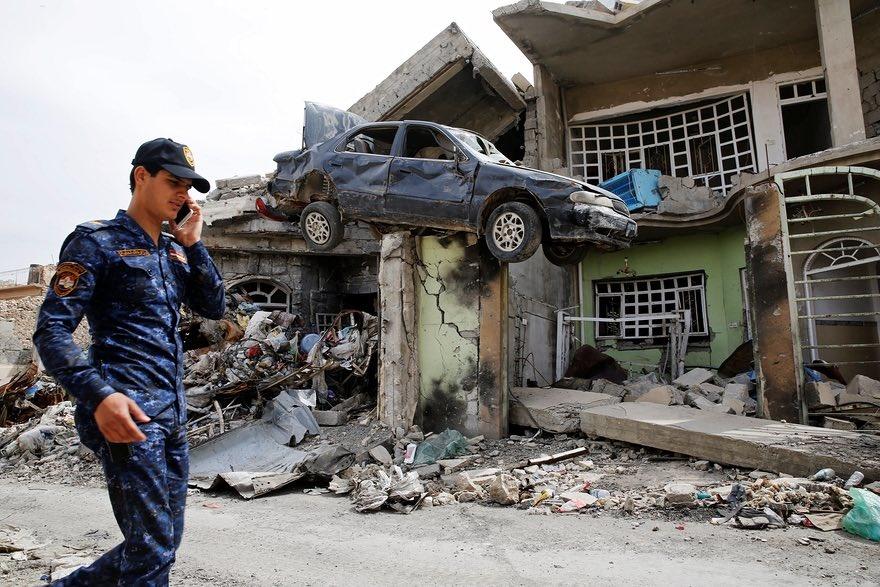 تصویری عجیب از یک محله ویران شده در غرب شهر موصل