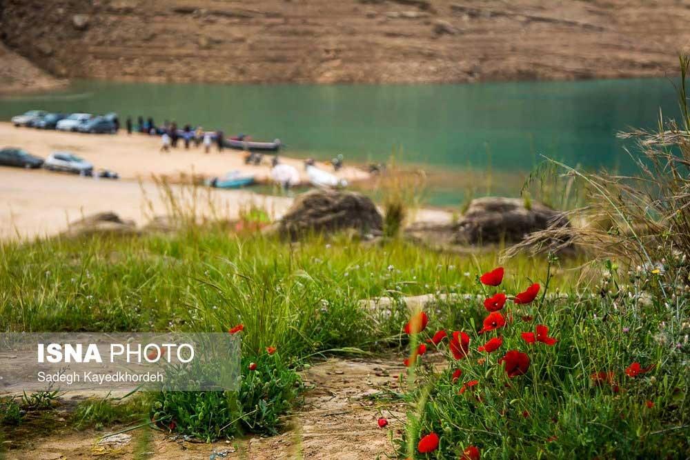 تصاویر | دریاچهای دیدنی پشت دو کوه شاداب و تنگوان در دزفول