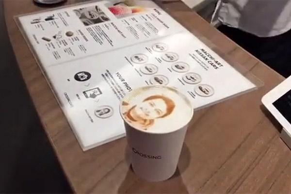 فیلم | پرینتری برای چاپ تصاویر روی کف فنجان قهوه