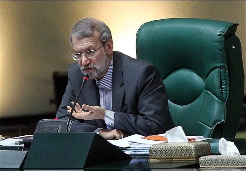 نقد لاریجانی به سیل وهنآمیز ثبتنامهای انتخاباتی