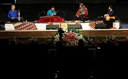 تصاویر | نوازندگی کیهان کلهر برای اصفهانیها