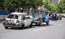 آخرین تصاویر از آتشسوزی زنجیرهای خودروها در خیابان شریعتی تهران