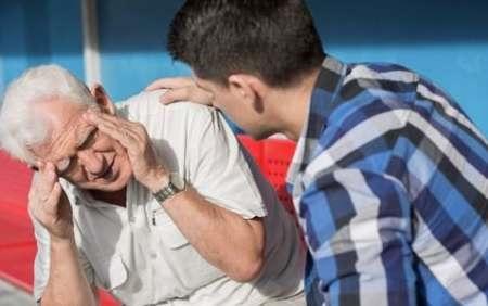 جلوگیری از سرگیجه سالمندان با حرکات ساده سر