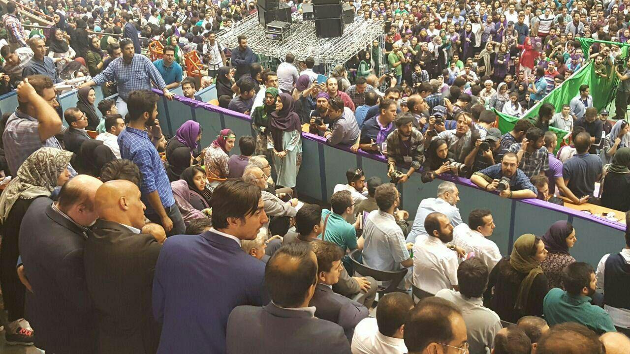 17 5 13 181743photo 2017 05 13 17 38 24 - چهرههای سرشناس که در حمایت از روحانی به ورزشگاه آزادی رفتند