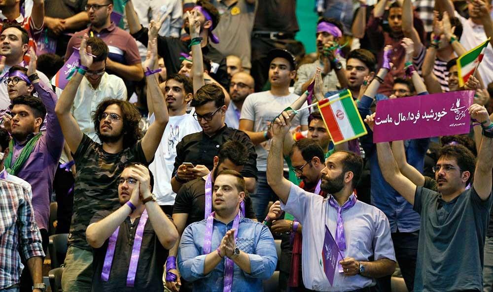 تصاویر | گردهمایی حامیان روحانی در ورزشگاه آزادی