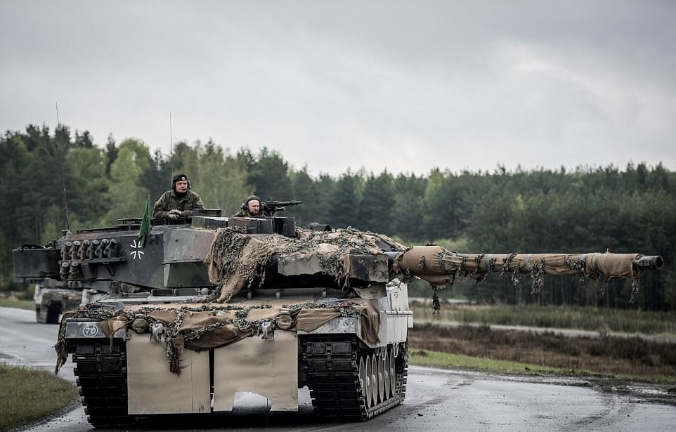 تصاویر   آمادهسازی تانکهای ناتو برای جنگجهانی سوم