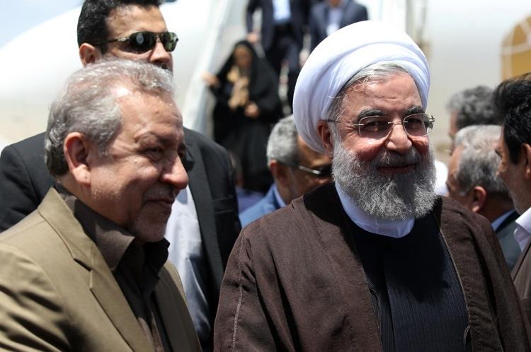 تصاویر | لحظه ورود رئیس جمهور روحانی به اصفهان