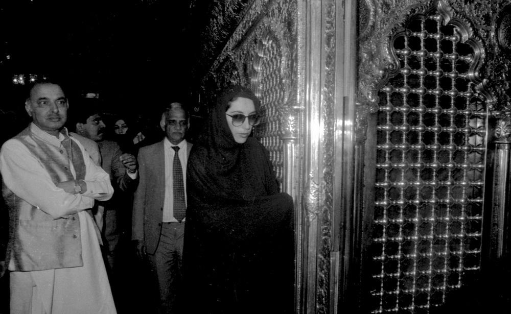 تصاویری از  ۲۷ سال پیش و حضور بینظیر بوتو در ایران