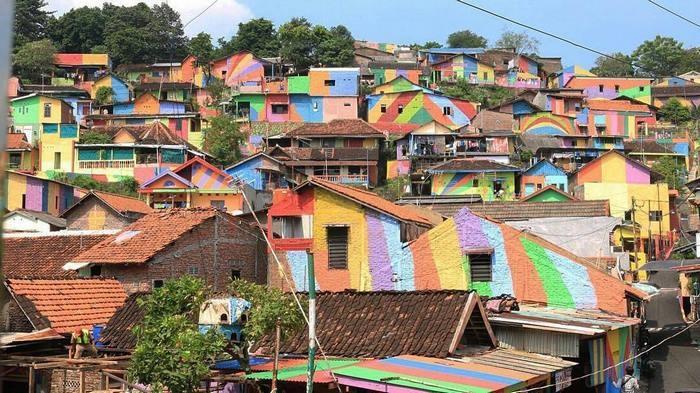 تصاویر | روستای رنگینکمان در اندونزی