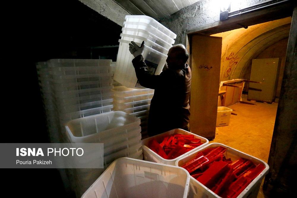 تصاویر |  آمادهسازی صندوقهای اخذ رای در همدان