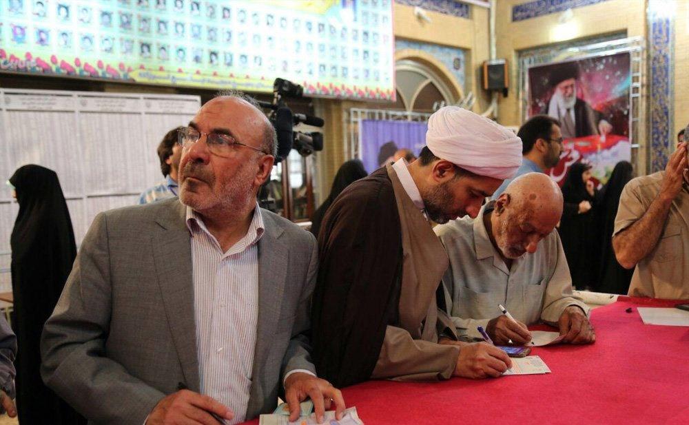 تصاویر | حضور مردم تهران پای صندوق رأی مسجد قبا و لرزاده