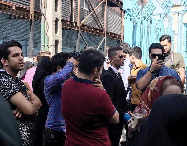 عکس   بدل کریس رونالدو در صف رای گیری حسینیه ارشاد