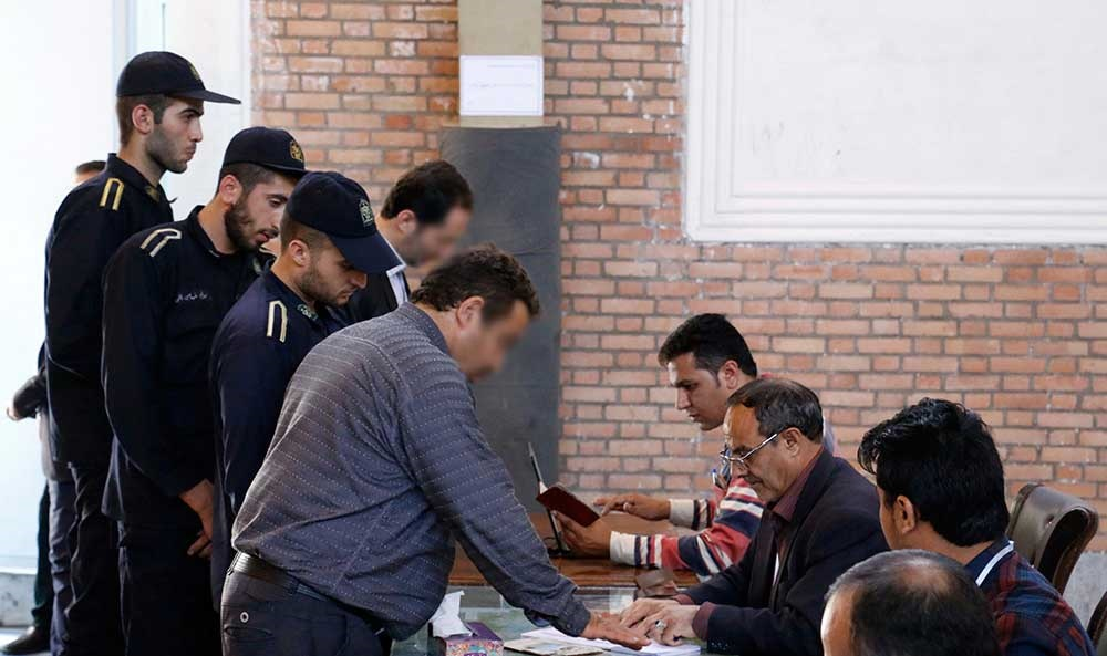 تصاویر | رأی دادن از زندان اوین | انتخاباتی که آزاد و در بند نمیشناسد