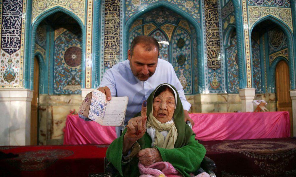 عکس   پیرترینها و جوانترینهای قزوین پای صندوق رای