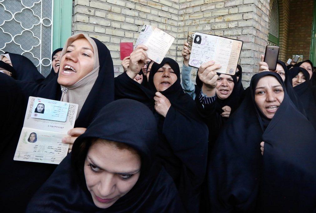 فعالان حوزه زن: آقای روحانی، زنان بیشتری به کابینه راه بدهید
