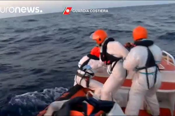 فیلم | نجات ۵ هزار مهاجر از دریای مدیترانه تنها در ۲ روز