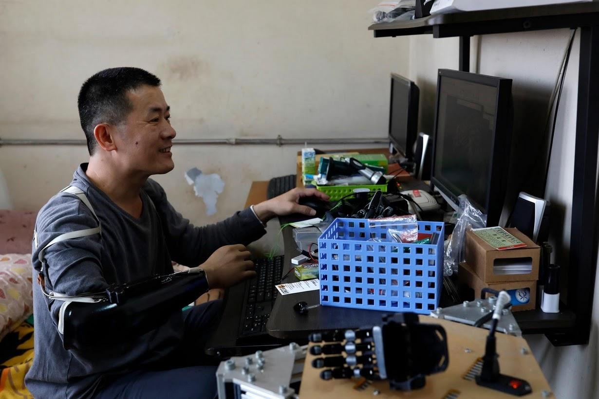 تصاویر | ساخت دست مصنوعی با تکنولوژی چاپ سهبعدی برای دختر ٨ ساله تایوانی