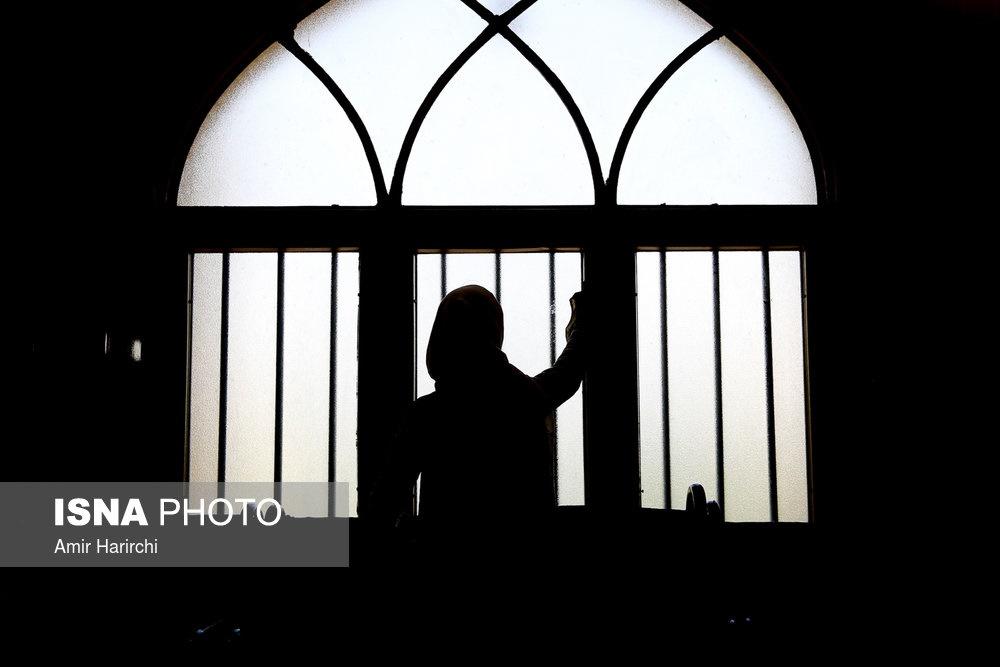 تصاویر | غبارروبی مادرانه از خانههای خدا