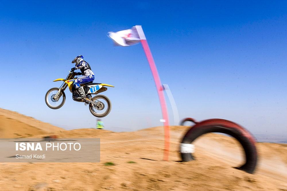 تصاویر | بانوان موتورسوار در نخستین دوره مسابقات کشوری موتورکراس
