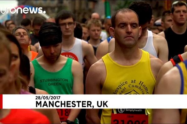 فیلم   ادای احترام هزاران دونده به قربانیان حمله منچستر