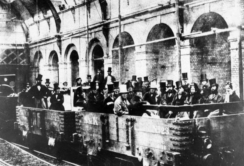 عکس | اولین متروی لندن در ۱۵۴ سال پیش