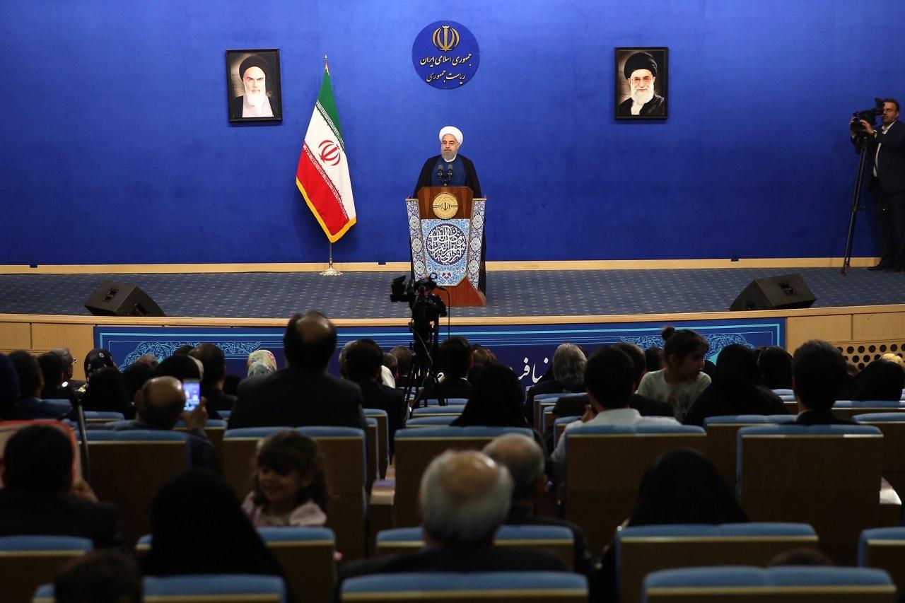 روحانی: تحمل تهمت و حرف ناروا خیلی سخت و مشکل است