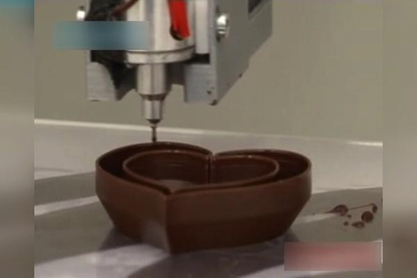 فیلم   تولید شکلات با پرینتر سه بعدی!