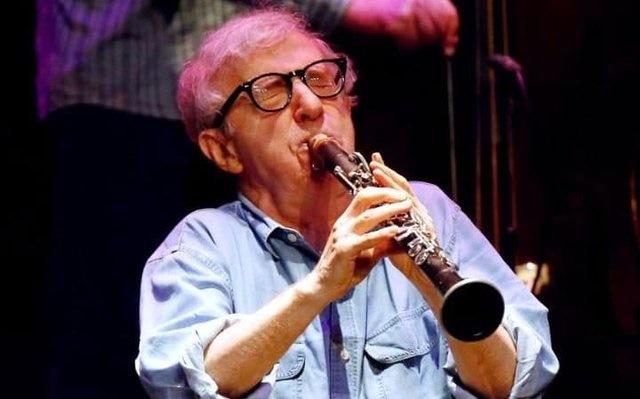وودی آلن در لندن کنسرت میدهد