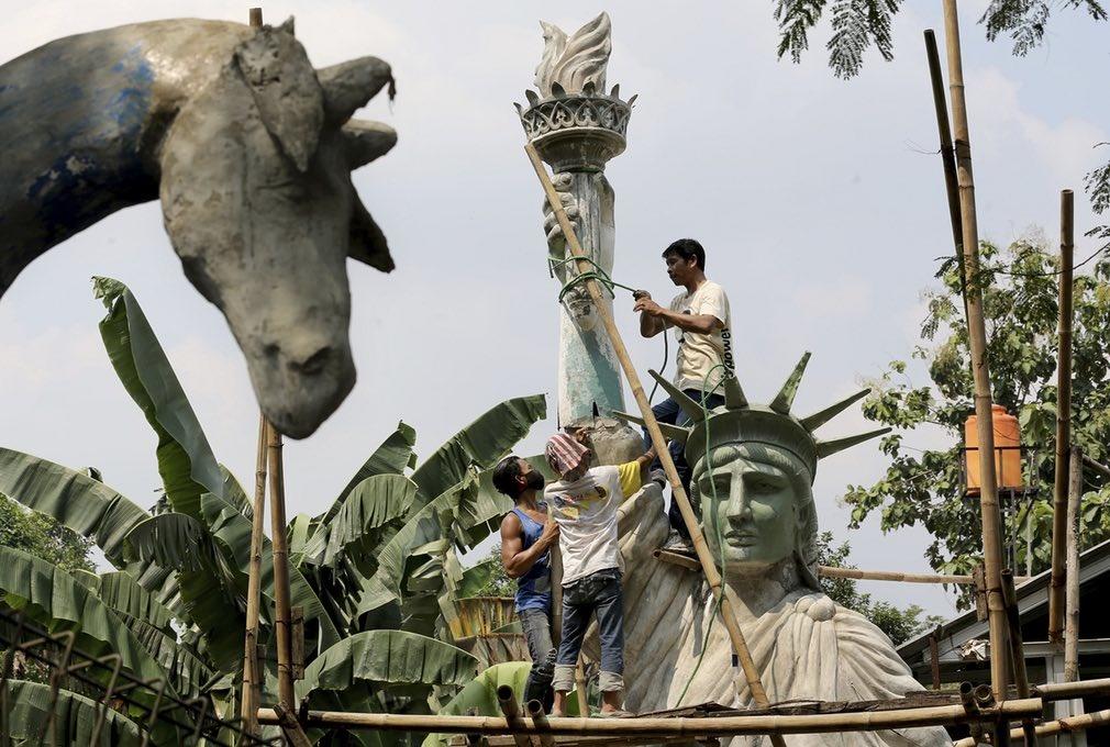 عکس | بدل مجسمه آزادی در اندونزی
